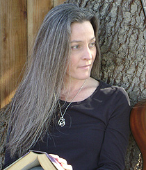 Lisa-Desrochers-Author-Photo