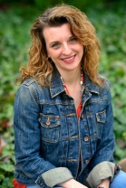 Author Picture - Larissa Reinhart