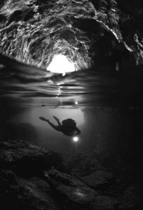 underwatercavescubadiving